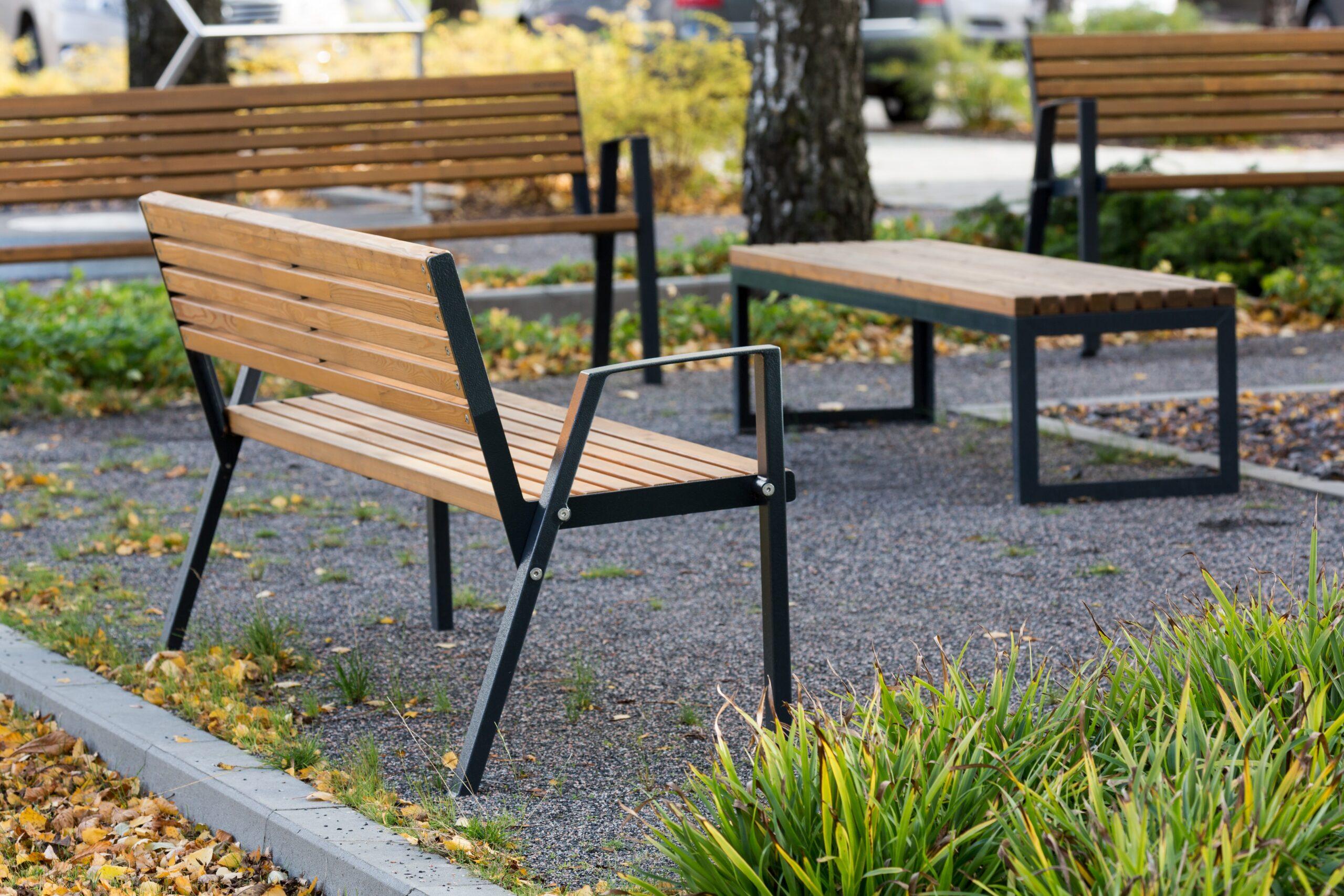 park bench Klaar Wood
